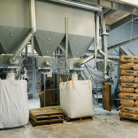 Perlite machinery filling large perlite bags